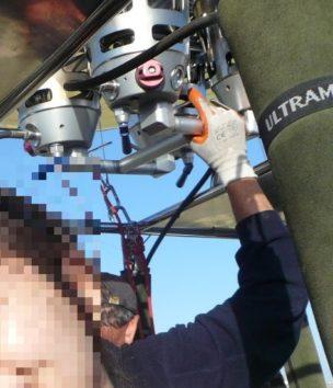 気球のパイロットは真剣そのもの(Photo by 朝比奈)
