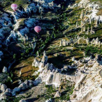 カッパドキアの気球ははるか上空まで(Photo by 朝比奈)