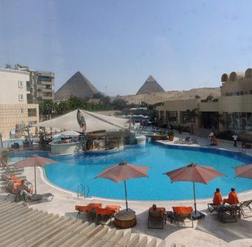ル・メリディアン・ピラミッド・ホテル&スパの客室から(Photo by 朝比奈)