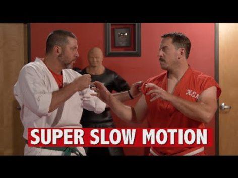 マスター・ケンのファンが急増中!(画像: EnterTheDojoShow『YouTube』Speed Hitting: 100 Hits in 1 Secondのサムネイル)