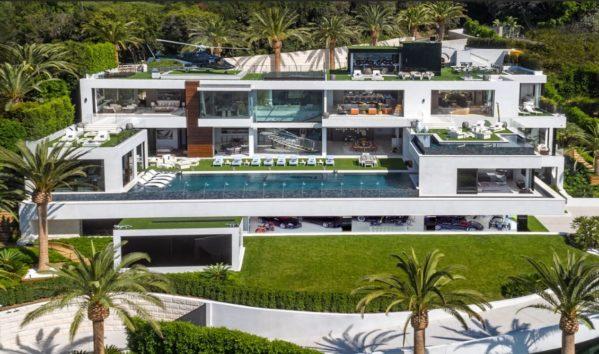 LA界隈で今もっとも注目を集める大豪邸のタイプ