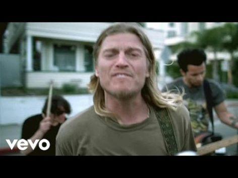 「ただ前を向いていこう」 画像:YouTube『You're Going Down』のサムネイル