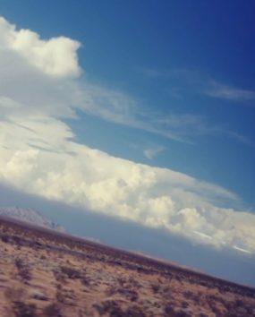 空を見ていると、ふと旅に出たくなることも…。(Photo by Austin)