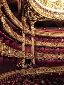 オペラ座の客席(Photo by 朝比奈)