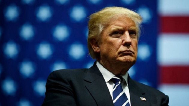 アメリカを偉大にする前に、醜聞をどうにかしないと…。