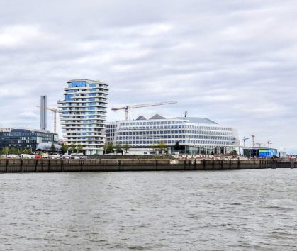 ハンブルクの新しいビルはデザインが奇抜でなければウケない?(Photo by 朝比奈)