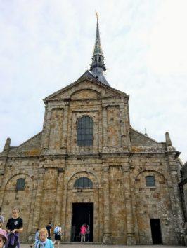 モンサンミッシェル修道院付属教会のファサード(Photo by 朝比奈)