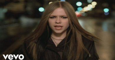 アヴリル・ラヴィーン、デビューアルバム収録曲『I'm With You』はミュージックビデオも話題に