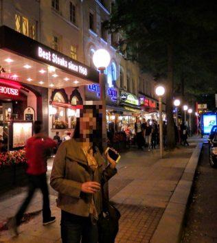 ハンブルクの夜、女性の一人歩きは危険かもしれません(Photo by 朝比奈)