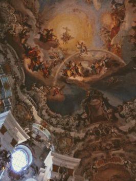 ヴィースの巡礼教会、天井のフレスコ画(Photo by 朝比奈)