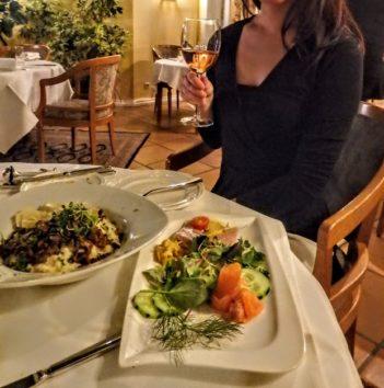 ホテル・ミュラーで遅めのディナー(Photo by 朝比奈)