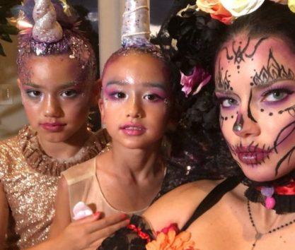 アドリアナ・リマは子供たちと一緒に