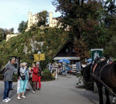 ホーエンシュバンガウ城はホテル・ミュラーから歩いてすぐ(Photo by 朝比奈)