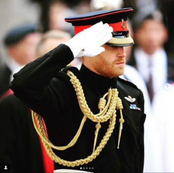 真面目な王室の人達も、時には冗談で大爆笑。
