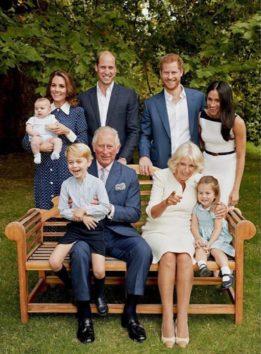 義父母、ヘンリー王子夫妻、そして自身の家族とパチリ!