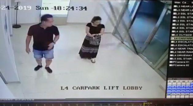 女性の頭部にガラスの扉が倒れ込んで直撃