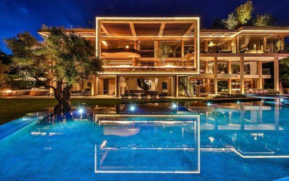 Amazonジェフ・ベゾス氏、LA超高級住宅街ベルエアの98億円豪邸購入を ...