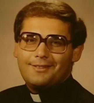 カトリック教会の司祭だった頃のジョン・カッパレッリ