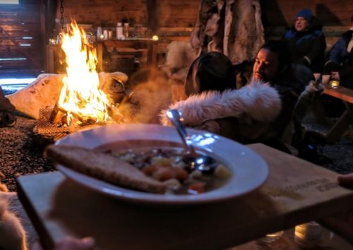 サーミ族のお料理、美味しいです!(Photo by 朝比奈)
