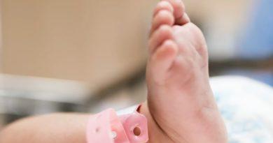 赤ちゃんを産んでは人身売買組織に売り渡していた中国の夫婦
