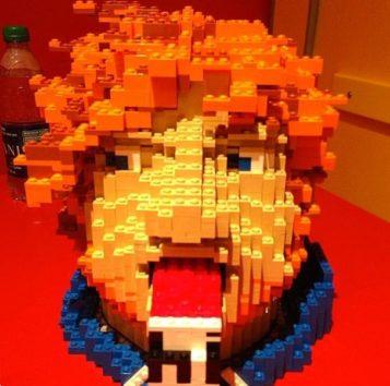 エドそっくりなレゴに爆笑!
