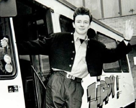 (画像:『Instagram』officialrickastley)
