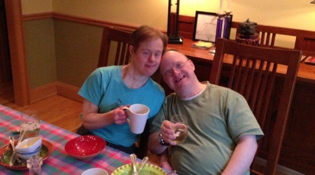 画像:『Washington Post』This couple may have had one of longest marriages of any pair with Down syndrome. And possibly one of the happiest.(Photo:Scharoun family)