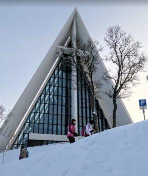 トロムスダーレン教会は通称「北極教会」です(Photo by 朝比奈)