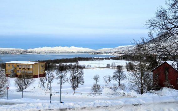 教会の正面からはこんな景色が眺められます(Photo by 朝比奈)