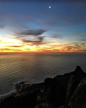 少し雲があるからこそ美しい夕焼けが期待できます(Photo by 朝比奈)