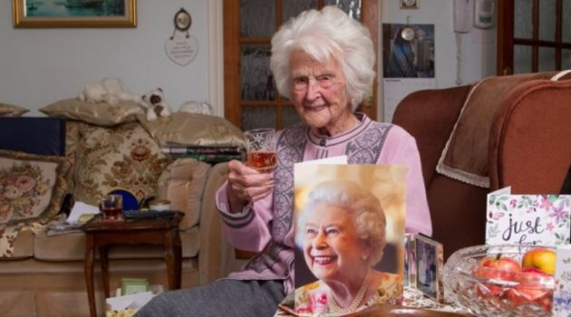 画像:『METRO』Britain's oldest woman Grace Jones who said whisky was key to long life dies at 112(Picture: SWNS)