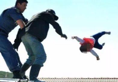 警察に追われ「近寄れば放り落とす」と1歳わが子を人質に 追い詰められ実行 南ア