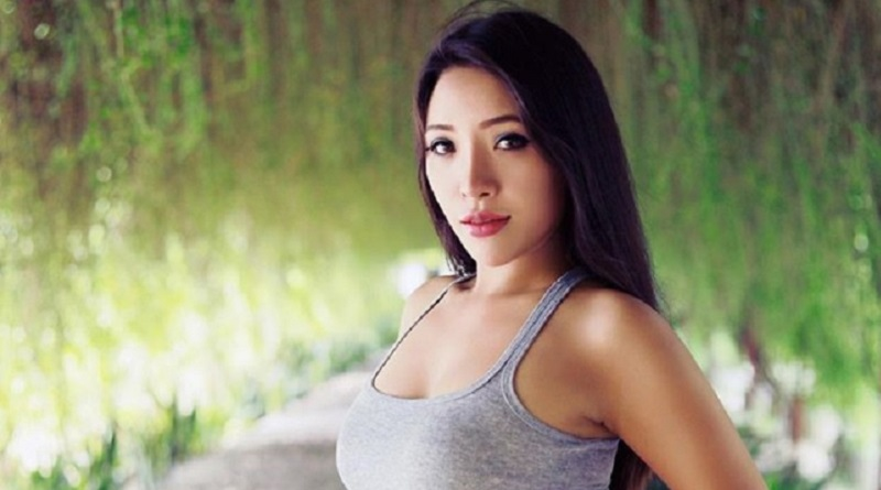女医、SNSで過激写真をアップしまくり医師免許を取り消される ミャンマー