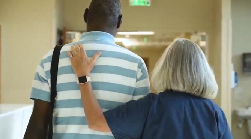 青年を救った看護師。