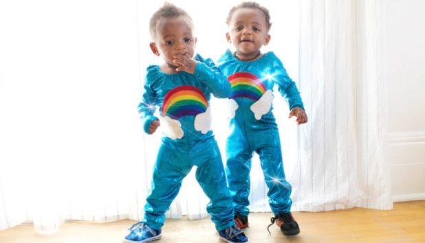 双子なのに、生年月日が見るからに違うことも(画像はイメージです)